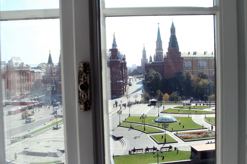 Вид из окна на Кремль