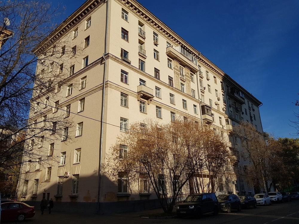 Квартиры в москве и московской области