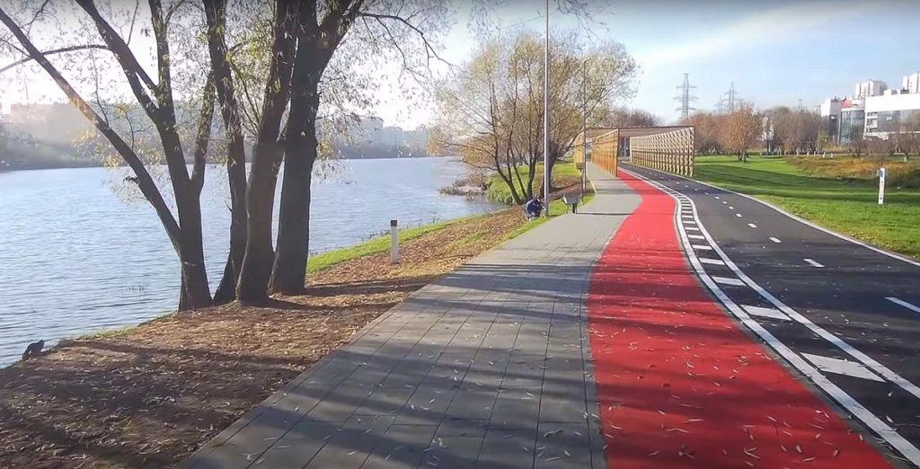 park vdol moskvy reki 1024x522 - Все парки ЮВАО Москвы